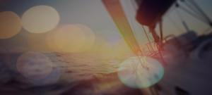 Image illustrant un voilier avec un effet bokeh